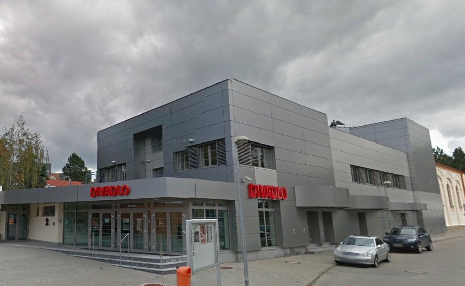 """Zveme Vás na koncert populárních písniček """"Máme prima rodiče"""" –  nejznámější české hity v provedení žáků ZUŠ"""
